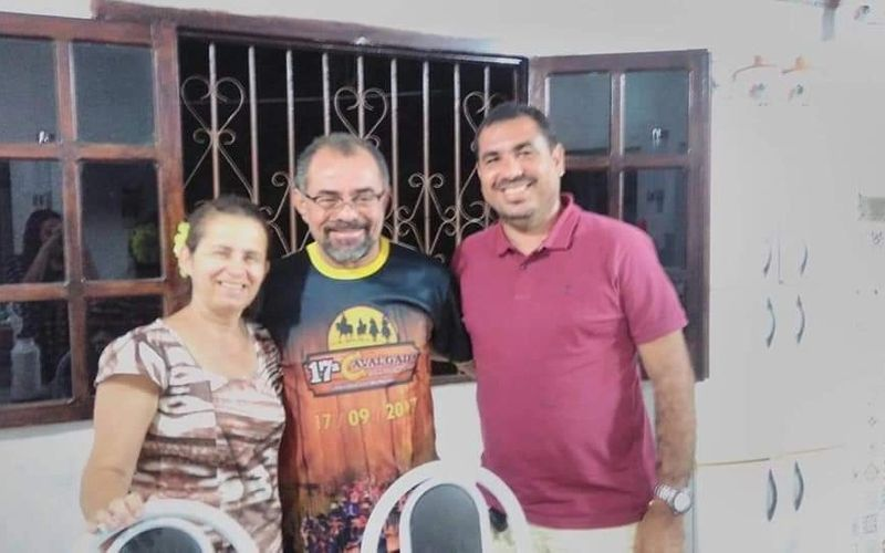 """Ivan Fereira aparece com a esposa e o """"Boca"""" durante recente encontro em Santana do Mundaú"""