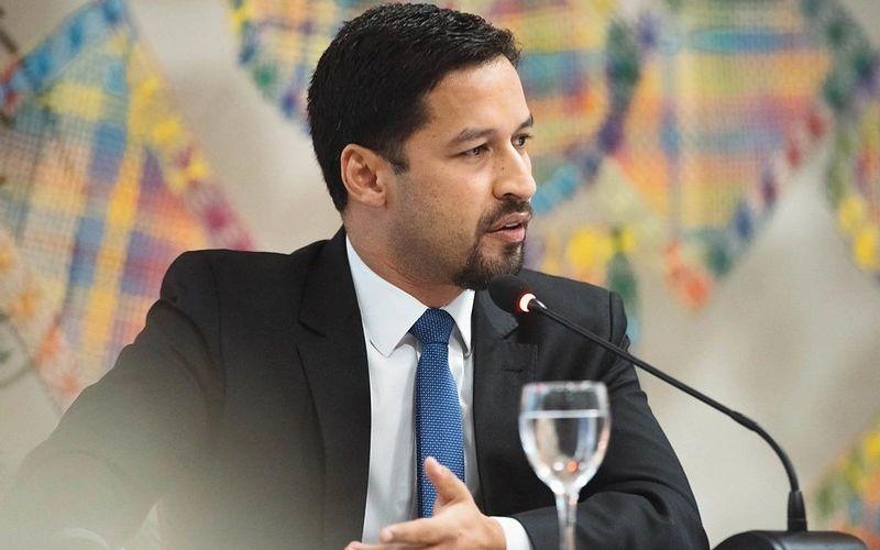 Rodrigo Cunha se reúne com presidente do BNDES para tentar destravar crédito para as empresas