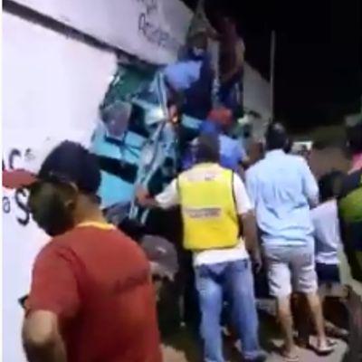 Caminhão derrubou parede de academia