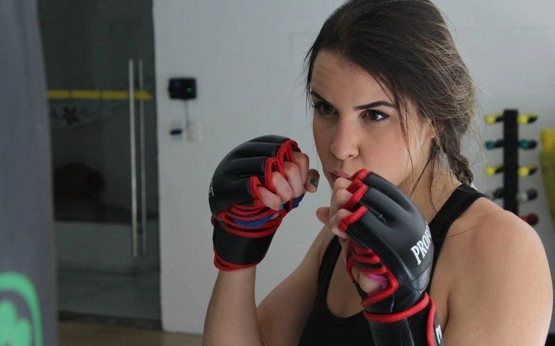 Lutadora de MMA Bárbara Acioly