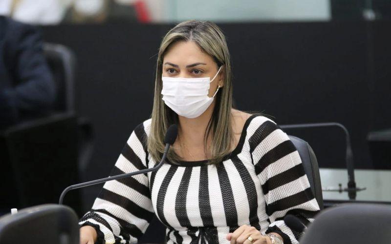 Deputada Flávia Cavalcante