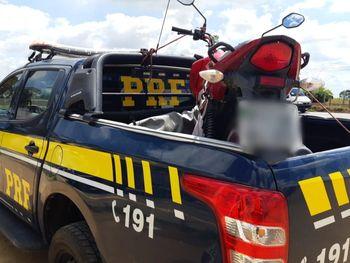 PRF apreende adolescente de 15 anos que transitava com moto adulterada em São Sebastião/AL