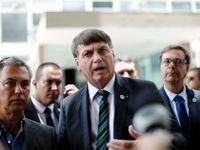 Presidente Jair Bolsonaro fala com jornalistas após reunião no Ministério da Economia