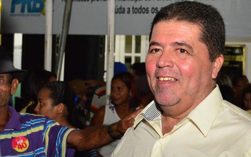 Adriano Barros ao que parece acabou com a farra do descaso da administração pública em Joaquim Gomes, onde os últimos prefeitos e alguns vereadores até hoje enfrentam bronca na justiça