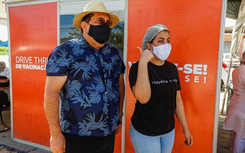 Gilberto Gonçalves e a filha Gabriela, campanha em dose dupla