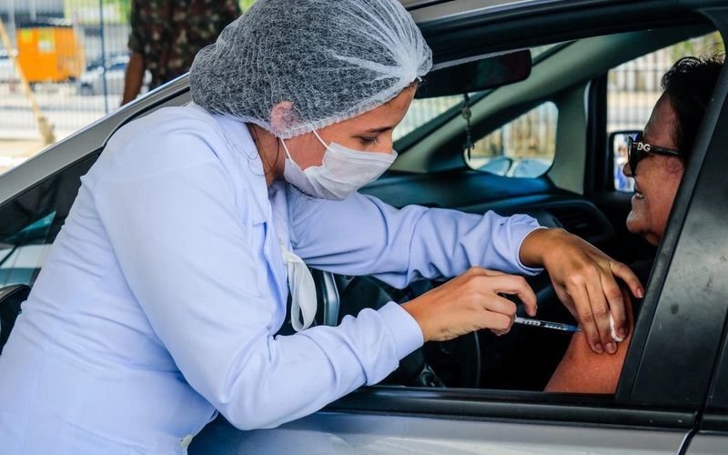 Shopping Pátio deve oferecer vacinação drive-thru a partir desta sexta (27).
