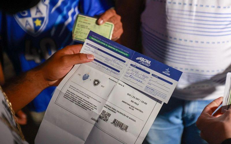 Vigilância Sanitária fiscaliza retorno da torcida ao Rei Pelé.