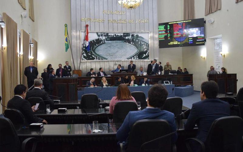 Plenário da ALE