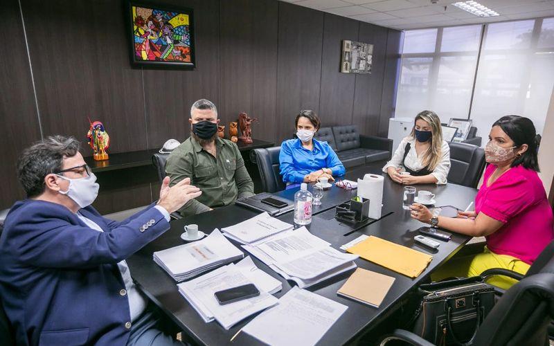 Possibilidade foi debatida pelo desembargador Tutmés Airan em reunião com secretários municipais, delegada e coordenadora da instituição