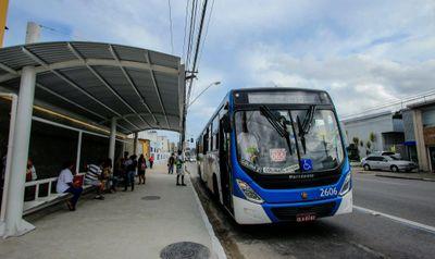 Ponto de ônibus do Sistema Integrado de Mobilidade de Maceió (SIMM)