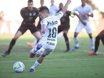 Soteldo foi um dos principais santistas no duelo diante do Ceará pela Copa do Brasil